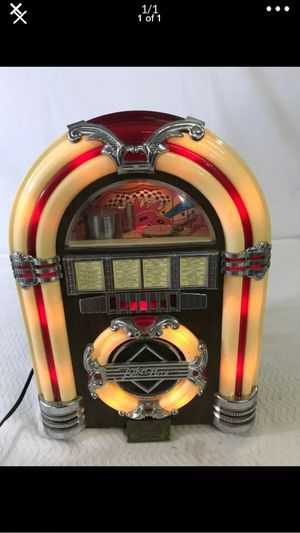 """Crosley """" Am/FM radio cassette works great 24 """" counter top lights up Coca Cola brand just plug in """" for Sale in Northfield, OH"""