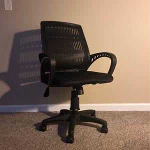 Black Adjustable Mid-back Swivel Office Chair by HODEDAH for Sale in Douglasville, GA