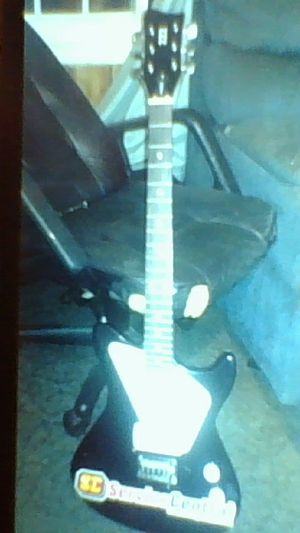 2 guitars, 2 amps, 2 cords, multi effects pedal for Sale in Gaffney, SC