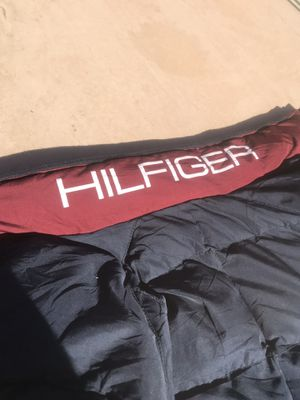 TOMMY HILFIGER PARKA SIZE S for Sale in Rowland Heights, CA