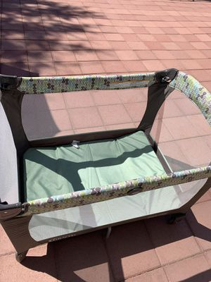 Baby crib for Sale in Moreno Valley, CA