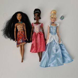 Disney Princess Dolls Lot Of 3 Pocahontas Tiana Cinderella & Cinderella Ring for Sale in St. Petersburg, FL