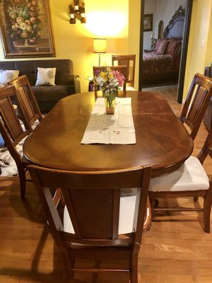 Dining table with extension and 8 chairs plus 1 buffet for Sale in Boca Raton, FL