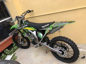 Kawasaki 250 dirt bike for Sale in Lake Worth, FL