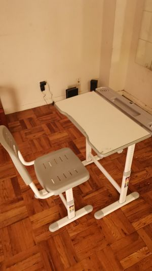 Kids adjustable desk and chair for Sale in Queens, NY