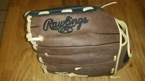 Rawlings softball glove left handed for Sale in Tamarac, FL