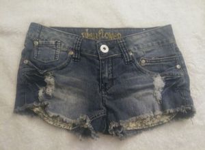 Womens Wallflower Distressed Shorts sz 3 for Sale in Fort Myers, FL