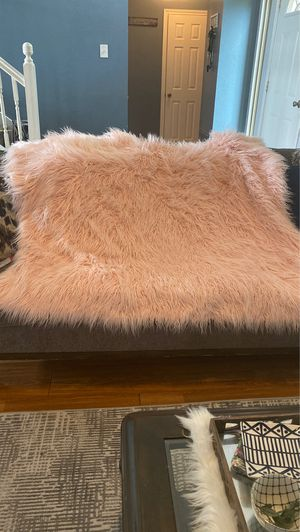 Fur blanket for Sale in Arlington, TX