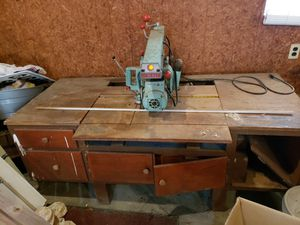 Vintage radial saw with work table for Sale in Columbus, OH