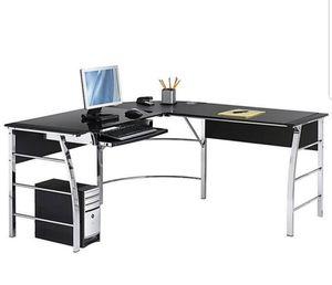 Office Corner Desk / Escritorio de esquina para oficina for Sale in Miami, FL