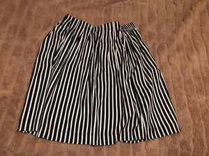 Cute knee high skirt for Sale in Lawrence, MA