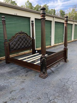 King size bedroom set for Sale in Morrisville, NC