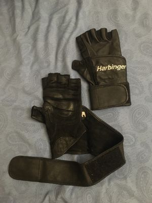 Workout gloves size M for Sale in Union City, CA