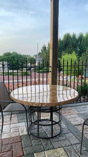Outdoor Table for Sale in Joplin, MO