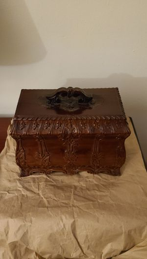Tea caddy or Jewelry Box wood carved for Sale in Miami, FL