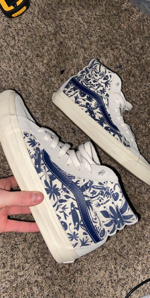 Special Edition Vans, Size 9.5 for Sale in Hamilton, OH