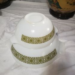 Vintage Pyrex 442 & 444 Autumn Floral Green Cinderella Bowl for Sale in Orlando,  FL