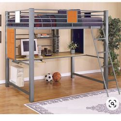 Metal Full Sized Bunk bed w/ Desk Under for Sale in Dripping Springs,  TX