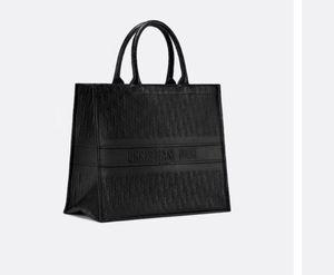Dior Tote Oblique bag for Sale in Arlington, VA