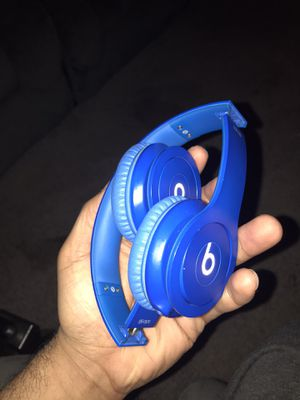 Beats solo headphones for Sale in Columbus, OH