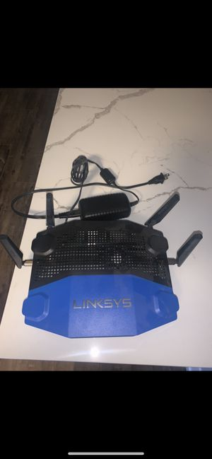 Linksys WRT 1900 AC WiFi router and Motorola Modem for Sale in Chicago, IL