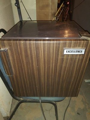 Excellence Mini Refrigerator & Freezer for Sale in Avondale, AZ