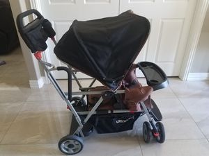 JOOVY caboose stroller (Carriola) for Sale in Fort Worth, TX