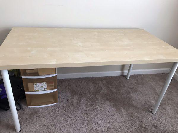 High quality IKEA desk/writing table