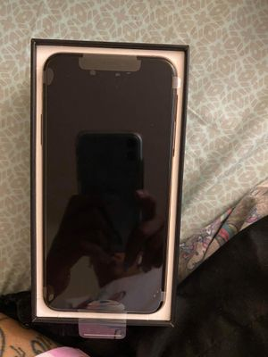 Iphone 11 pro max for Sale in Lynchburg, VA