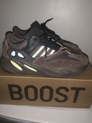 Yeezy 700 Muave size 12 for Sale in Los Angeles, CA