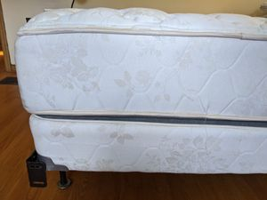 Queen size mattress and bed frame for Sale in Columbus, OH
