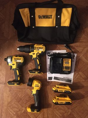DeWalt. 20V MAX Lithium Ion 3-Piece Brushless Cordless Combo Kit. for Sale in Brooklyn, NY