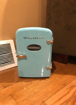 Mini fridge for Sale in Lansdowne, PA