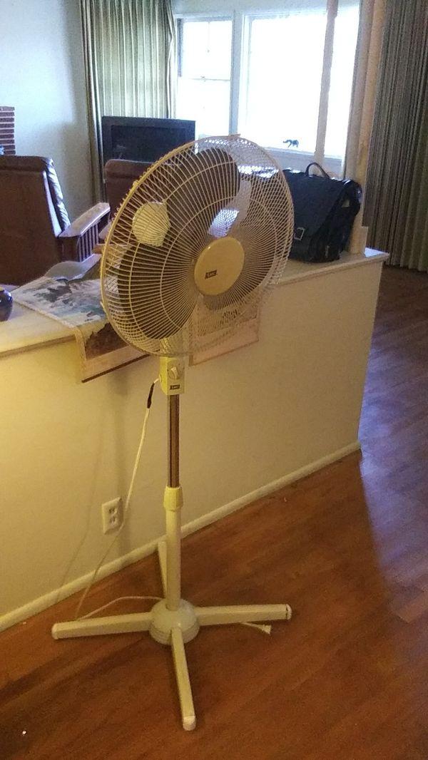 Fan. Large. Oscillating
