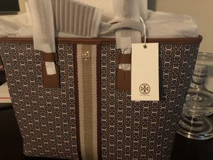 "Authentic Tory Burch ""Gemini Link"" tote bag for Sale in Hampton, GA"