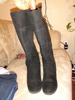Girls up to knee boots for Sale in Kennewick, WA