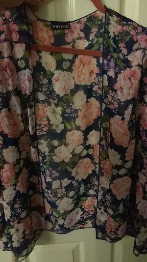 Wetseal sheer, short kimono for Sale in Riverside, CA