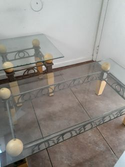 Coffee table & side table matching set in excellent condition. for Sale in Orlando,  FL