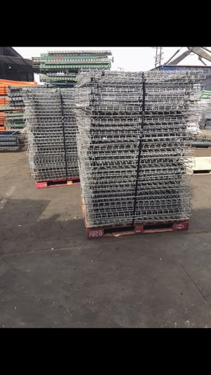 Pallet Racks Load Beams. Uprights Wire Decking for Sale in Los Angeles, CA