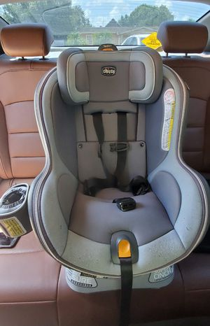 Chicco NextFit Zip Convertible Car Seat for Sale in Miramar, FL
