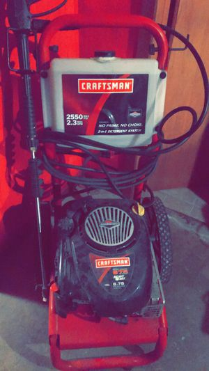 Craftsman Pressure Washer 2550 psi. 6.75 hp Briggs motor. for Sale in Sioux City, IA