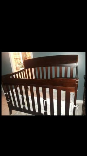 crib baby graco for Sale in Lake Worth, FL