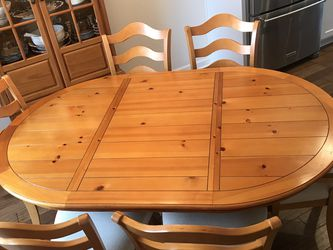 6 Top Dining Table With Matching Hutch for Sale in White House,  TN