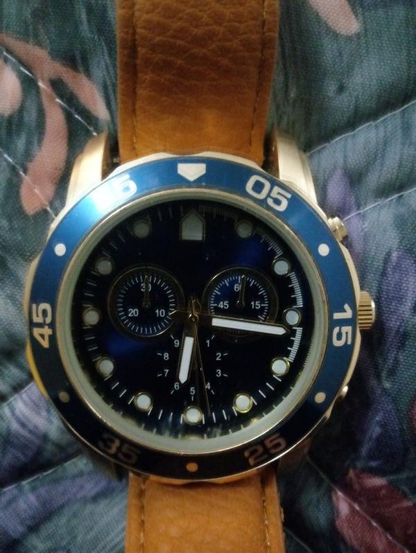 Bezel watch