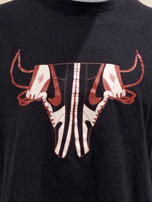 Jordan 1 Bulls T-Shirt XL for Sale in Thornton, CO