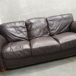 Leather Couch for Sale in Tacoma, WA
