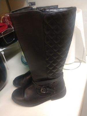 Size 2 girls boots khols for Sale in Fresno, CA