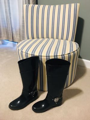 Size 8 Authentic Michael Kors Rain Boots for Sale in Fredericksburg, VA