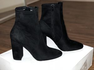 Size 6 Black boots heeled, suede for Sale in Houston, TX