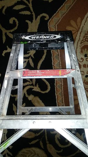 WERNER 26in professional performance 300lb. Aluminum lader for Sale in El Cajon, CA